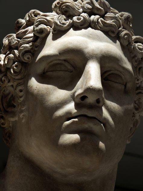 statue-head-32