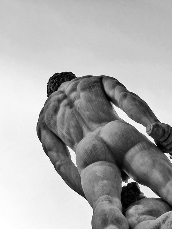 statue-zeus-butt-7