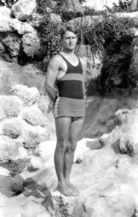 vintage-swimmer-41