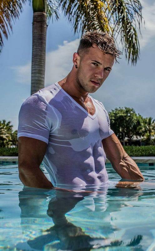 wet-shirt-2453