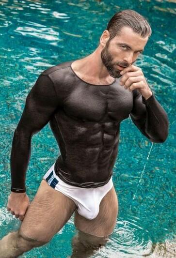 wet-shirt-2454