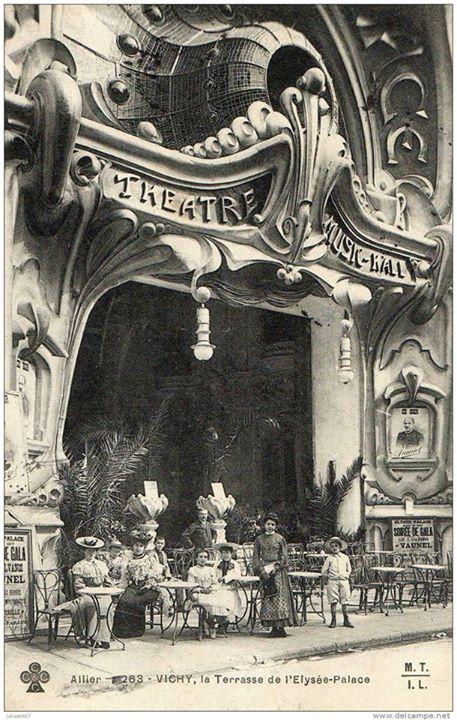 La Terasse de l'Eysee-Palace, Vichy,France