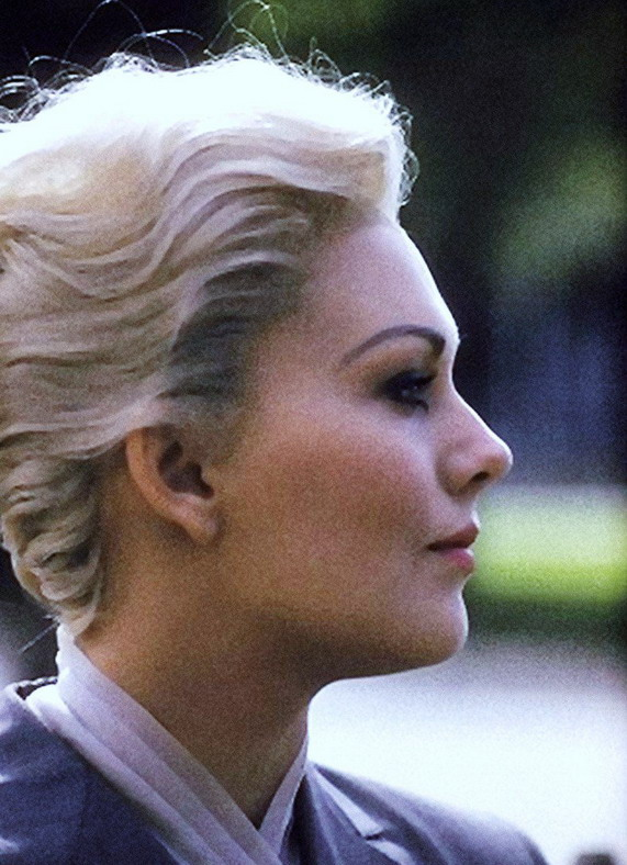"Kim Novak, during the filming of Hitchcock's ""Vertigo"", 1958"
