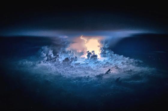 lightning-from-planes-1280