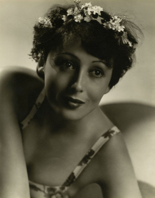 Luise Rainer photographed by George Hurrell, mid-1930s