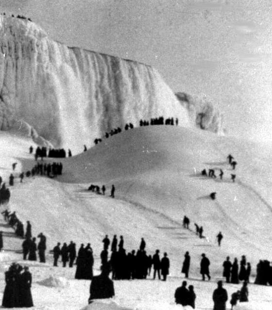 niagra-falls-frozen