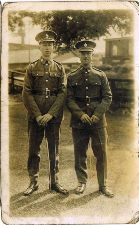 WWI Soldiers Together