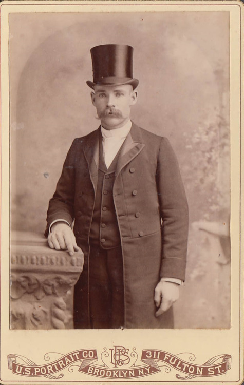 stache-and-top-hat-259