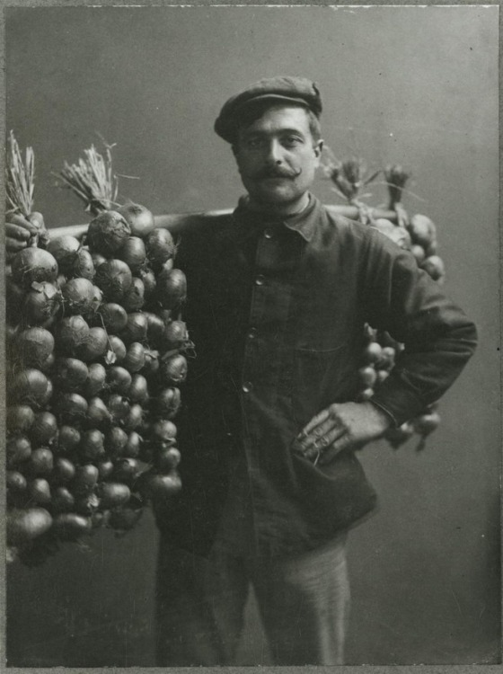 stache-onion-seller-by-mary-olive-edis
