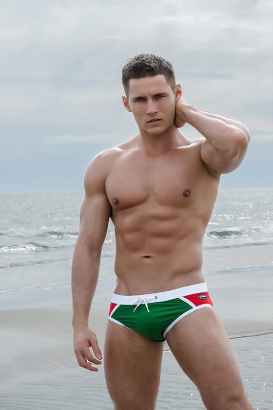 anatoly-goncharov-for-aware-soho-menswear-by-photographer-tom-sinclair-150911-10