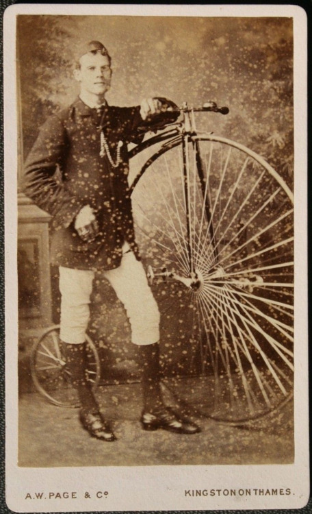 High Wheel Bicycle/Penny Farthing