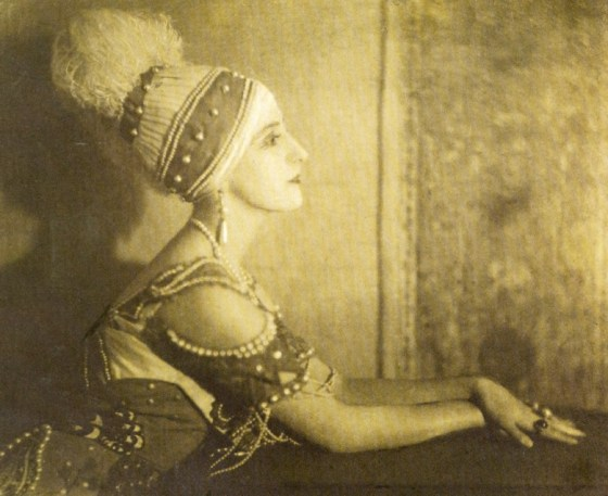 lubov-tchernicheva-ballets-russes-dancer