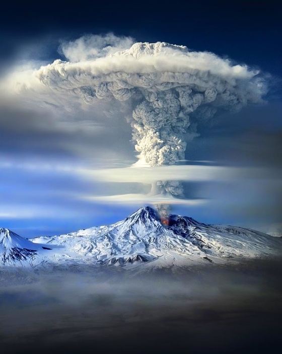 mt-ararat-eruption-by-sako-tchilingirian