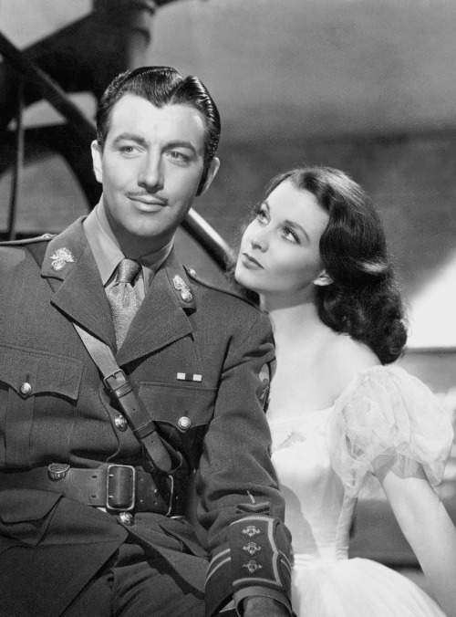robert-taylor-and-vivien-leigh-in-waterloo-bridge-1940
