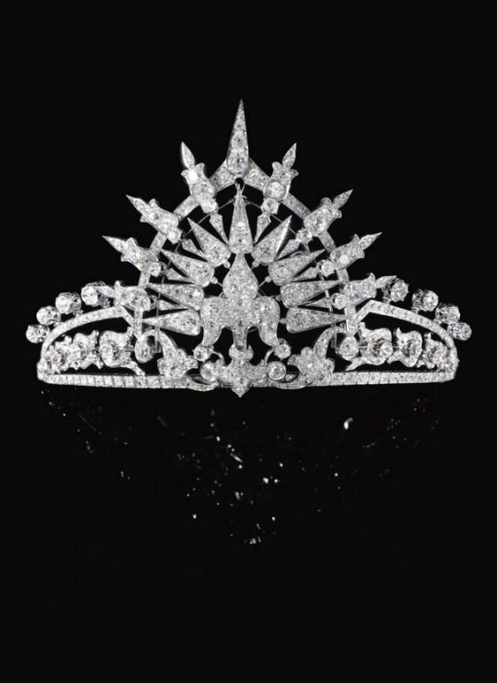 tiara-1282
