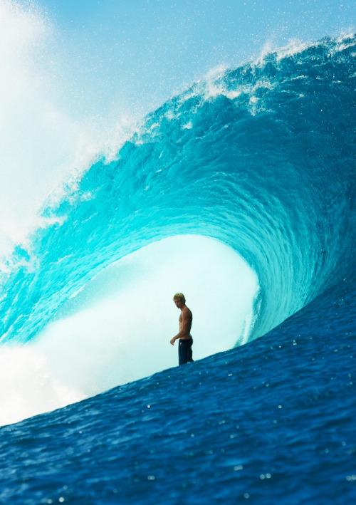 Surfer in thewave