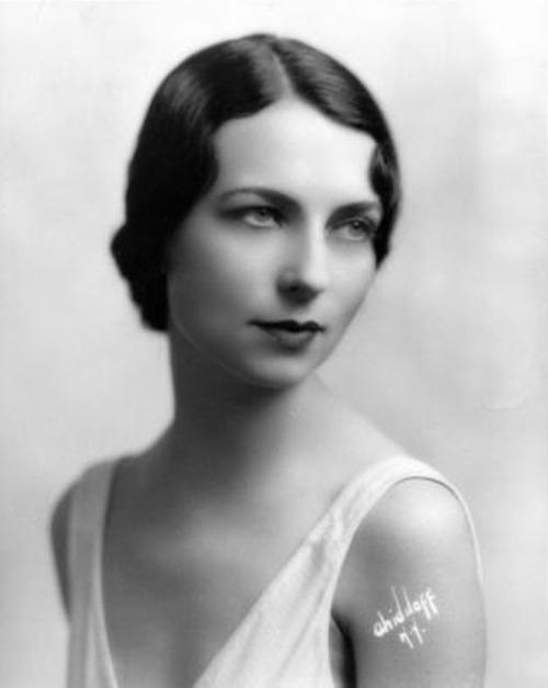 Agnes Moorehead, 1929