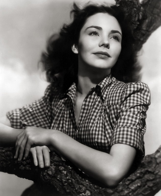 Young Jennifer Jones, wearing gingham