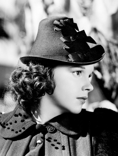 Judy Garland, circa 1941 I'mguessing