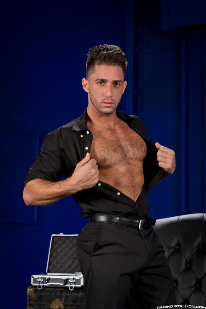 Model Armando DeArmas