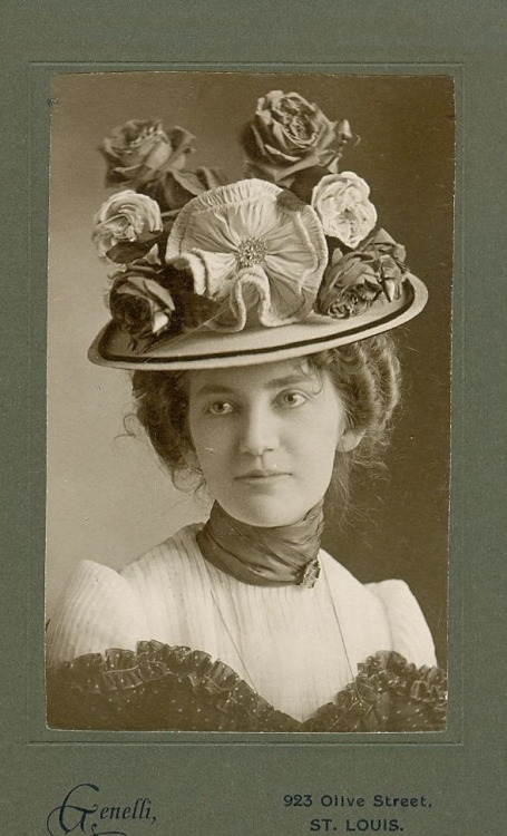 Vintage floral-themed hat