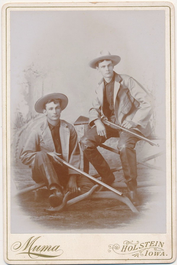 Vintage Hunters, Iowa