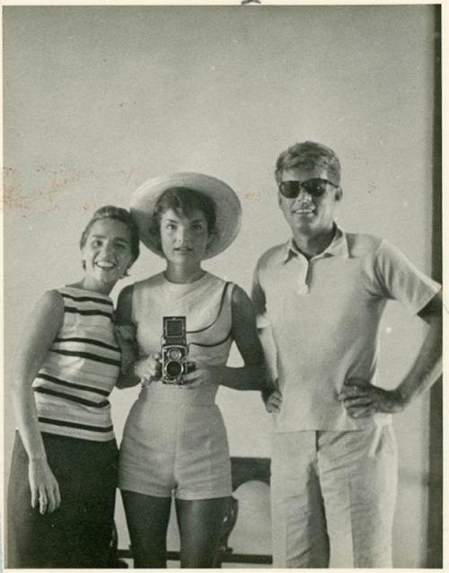 JFK, Jackie, and Jackie's sister in summer/resort wear(1950s)
