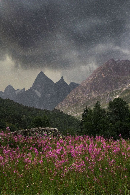 Rain storm up in the mountains