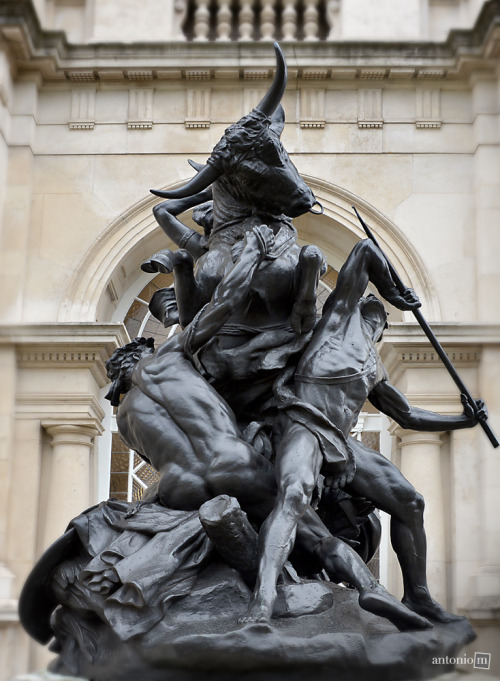 Fighting the raging bull – outside the Tate Gallery, London