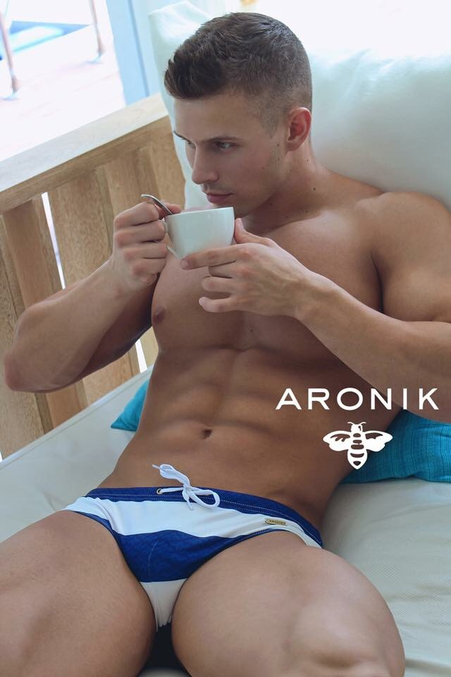 Model Michael Dean Johnson for Aronik