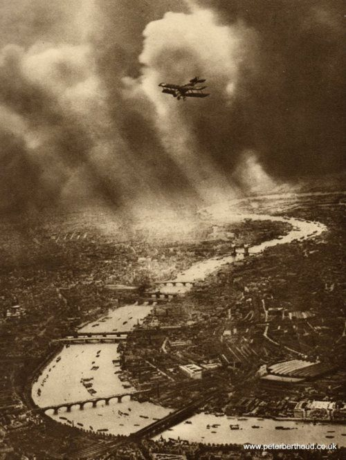 Alfred G. Buckham, early aerial photographer, flying over London, early 1910s
