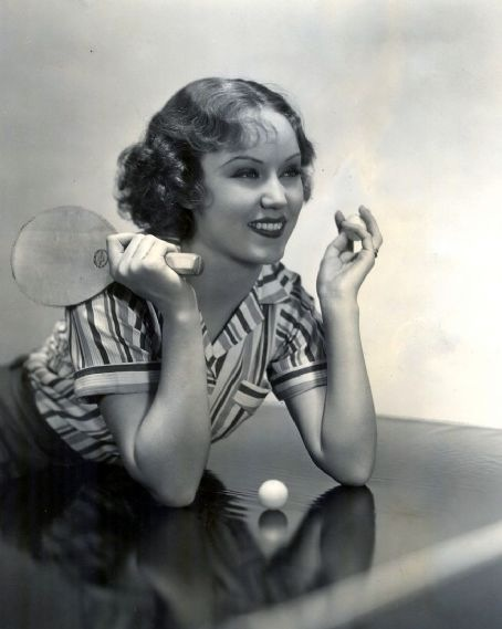 Fay Wray wants to play ping pong/tabletennis