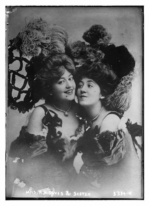Mrs R. M. Davis &Sister
