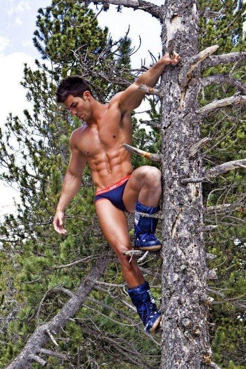 ES underwear model up atree