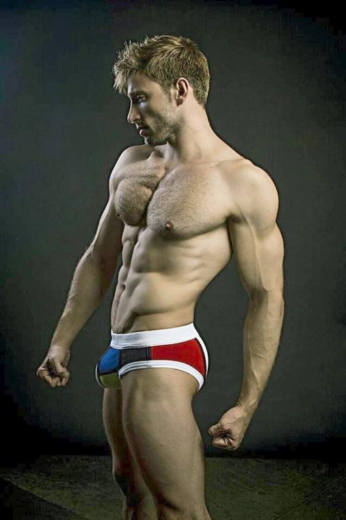 Underwear model with a Mondrianbulge