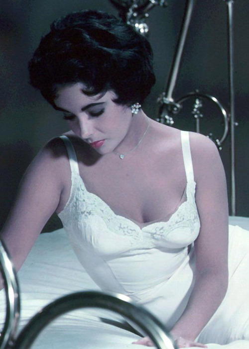 "Elizabeth Taylor in ""Cat on a Hot Tin Roof"""
