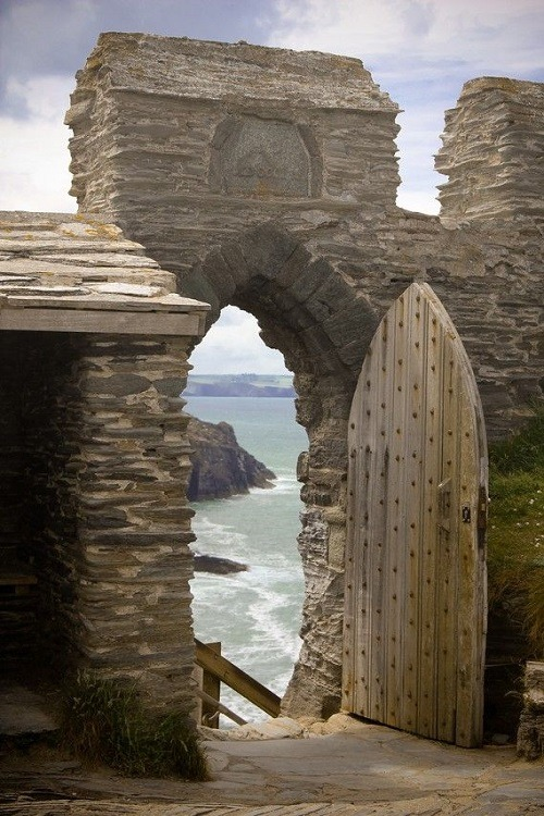 Tintagel Castle in Tintagel, Cornwall, England – by Vincent Hoogendoorn