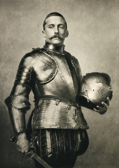 It's a look: Billowy pantaloons, armor, and astache
