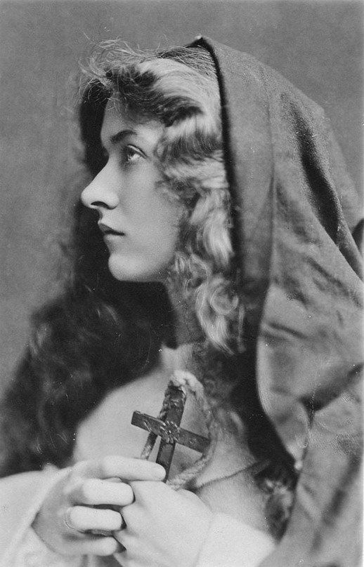 Maude Fealy, American stage and silent movie actress