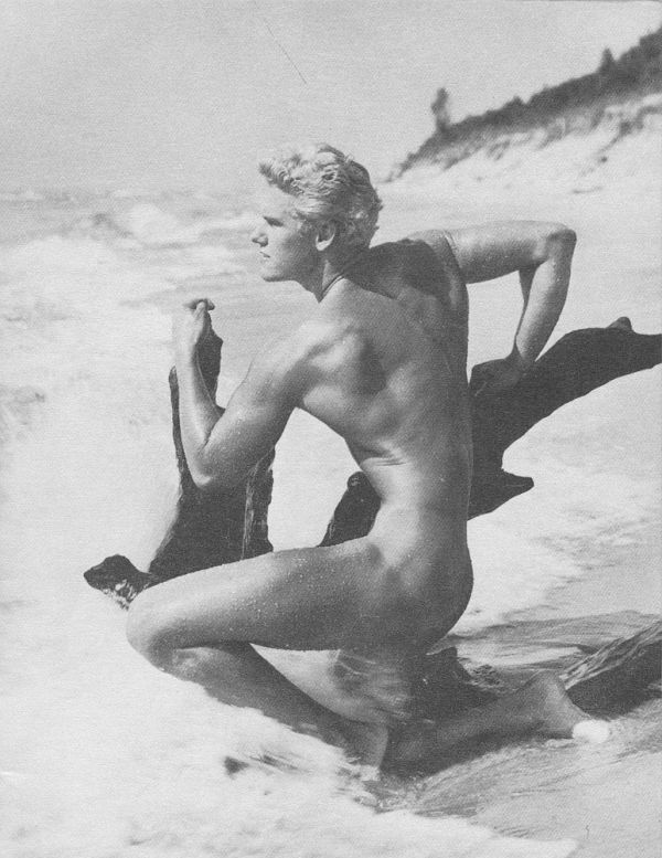 Physique Model at theBeach