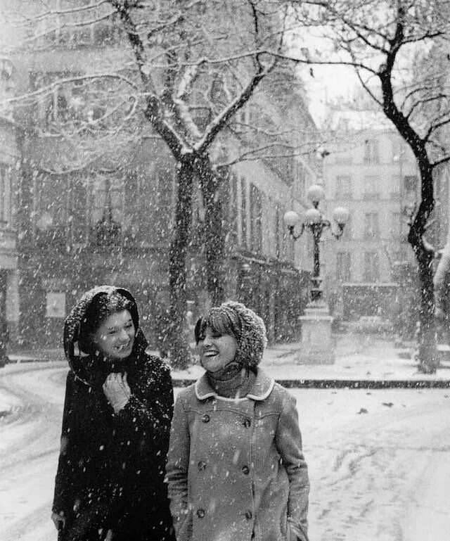 Snow in the city, by Robert Doisneau, 1960s