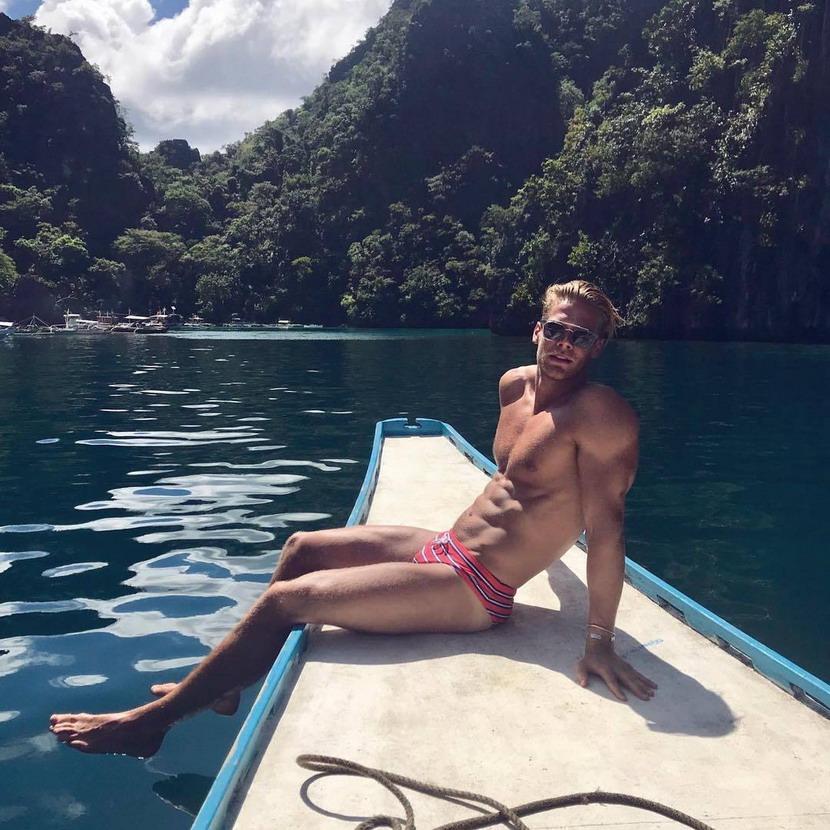 Model on aboat
