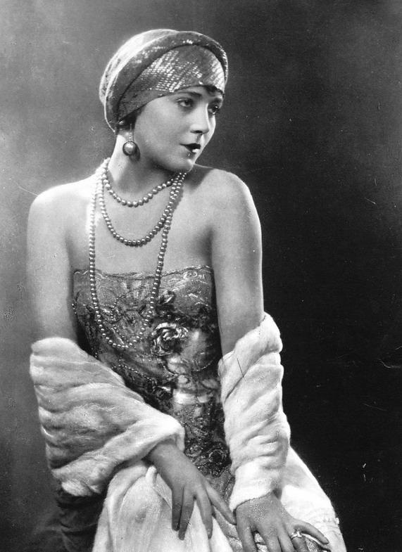Vilma Banky, Silent FilmStar