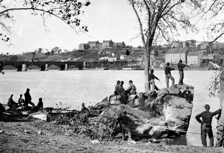 Soldiers guarding the Potomac River, US Civil War