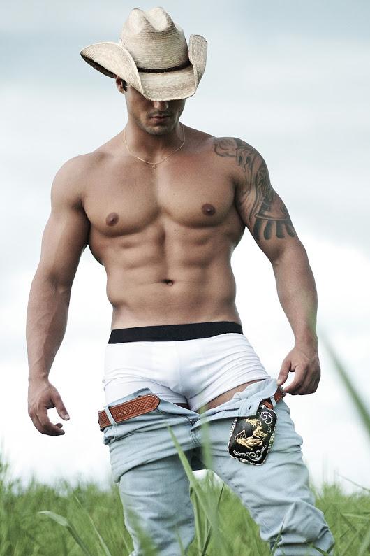 d6a0c1c332fd5 Shirtless Brazilian Cowboy Rancher