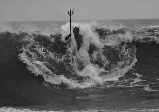 Poseidon/Neptune, in hiselement