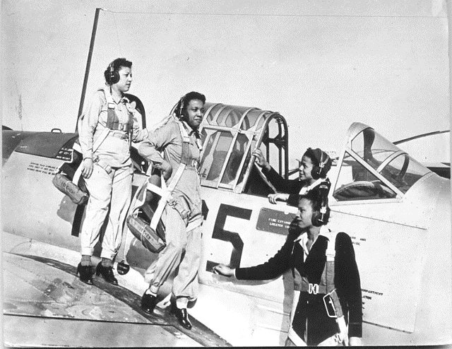 African-American Nurses at the Tuskegee Air Base,WWII