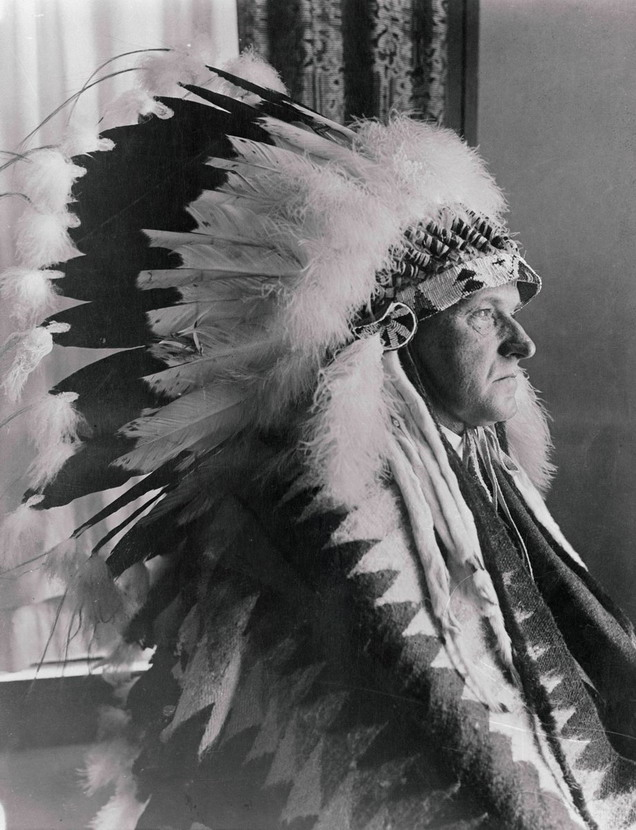 US President Calvin Coolidge in a Sioux headdress, 1920s