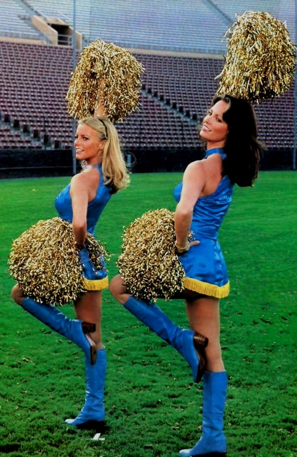 Cheryl Ladd and Jacklyn Smith as cheerleaders