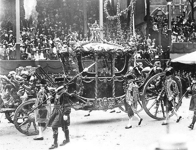 British royal coronation carriage – King George V & Queen Mary on their coronation day,1911